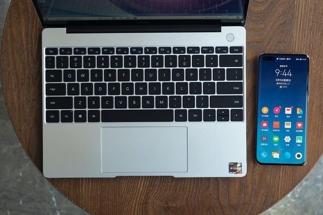 华为MateBook 13 2020锐龙版上手测评:轻薄本也有高性能?香!